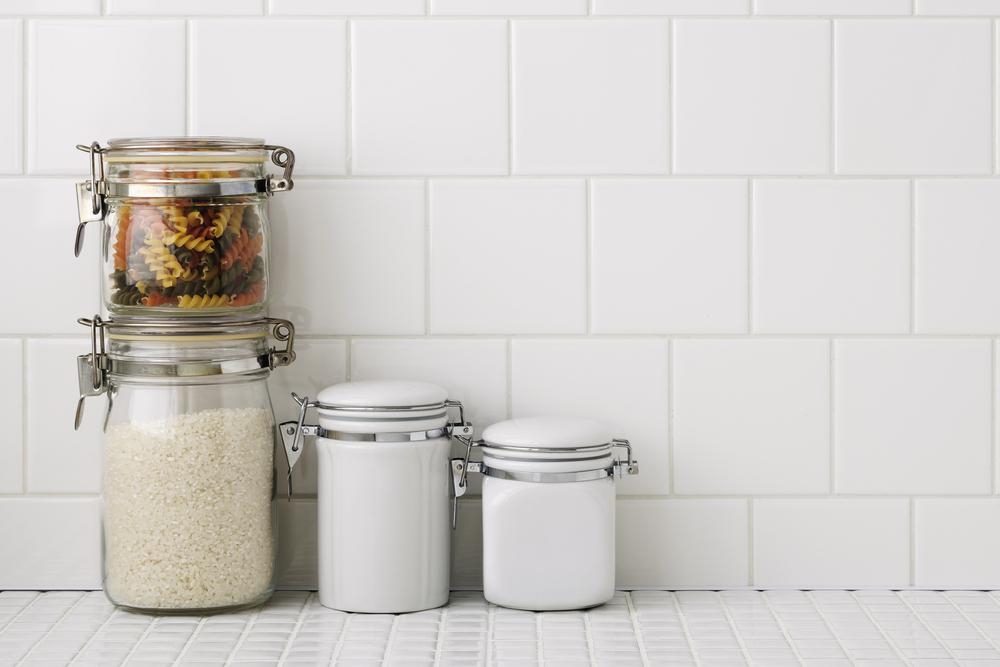 Piastrelle cucina consigli utili dire donna - Piastrelle cucina bianche ...