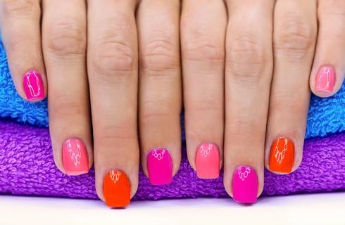 Smalto unghie semipermanente: le marche migliori