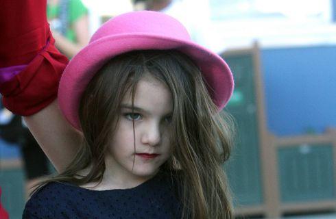 Suri, figlia di Tom Cruise e Katie Holmes, licenzia la maestra di musica