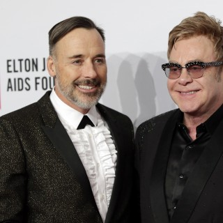 Elton John dichiara guerra a Dolce&Gabbana
