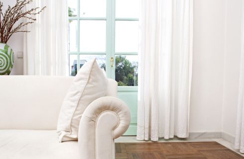Tessuti per tende da interni: 10 consigli utili