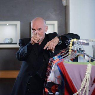 Diego Dalla Palma vende i beni e programma la sua morte