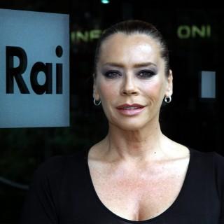 Barbara De Rossi maltrattata del suo ex fidanzato