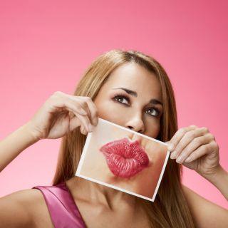 Labbra carnose come Kylie Jenner: il gioco virale è pericolo