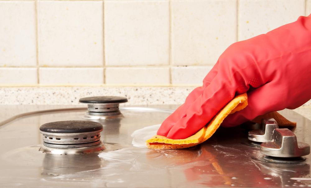 Pulire l 39 acciaio della cucina ecco come fare diredonna - Pulire la cucina ...