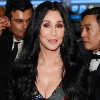 Cher: a 69 anni è testimonial dark di Marc Jacobs