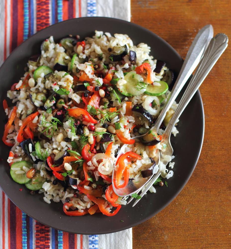 Insalata di riso con verdure grigliate