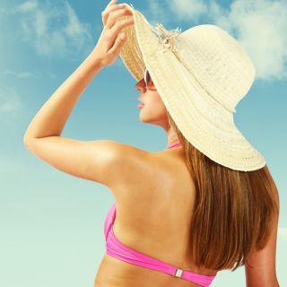 Melanoma: le regole per prendere il sole restando in salute