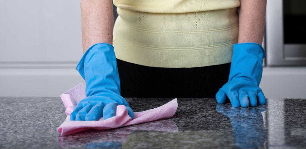 Come Togliere Macchie Di Acido Dal Marmo.Pulire Il Marmo Macchiato Suggerimenti Utili Diredonna