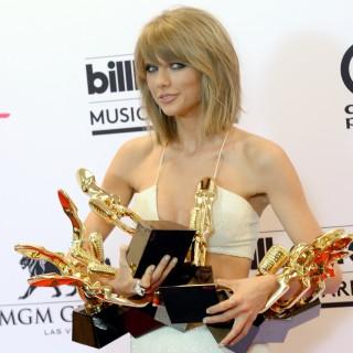 È Taylor Swift la donna più hot del mondo per Maxim