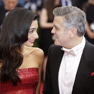 Matt Damon conferma: Amal Clooney è incinta di due gemelli