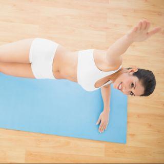 Esercizi isometrici: come allenarsi a casa
