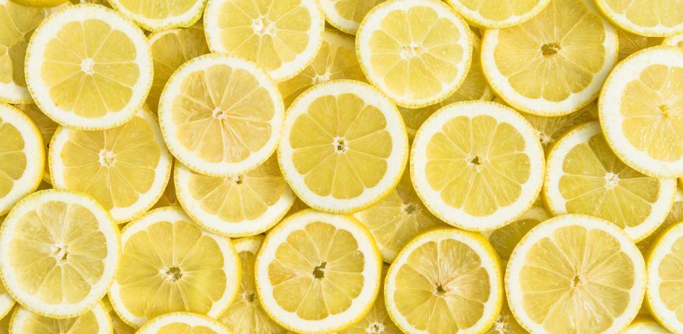 acqua salata e limone per perdere peso
