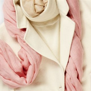 Cashmere e seta: la primavera preziosa di Lanificio Colombo