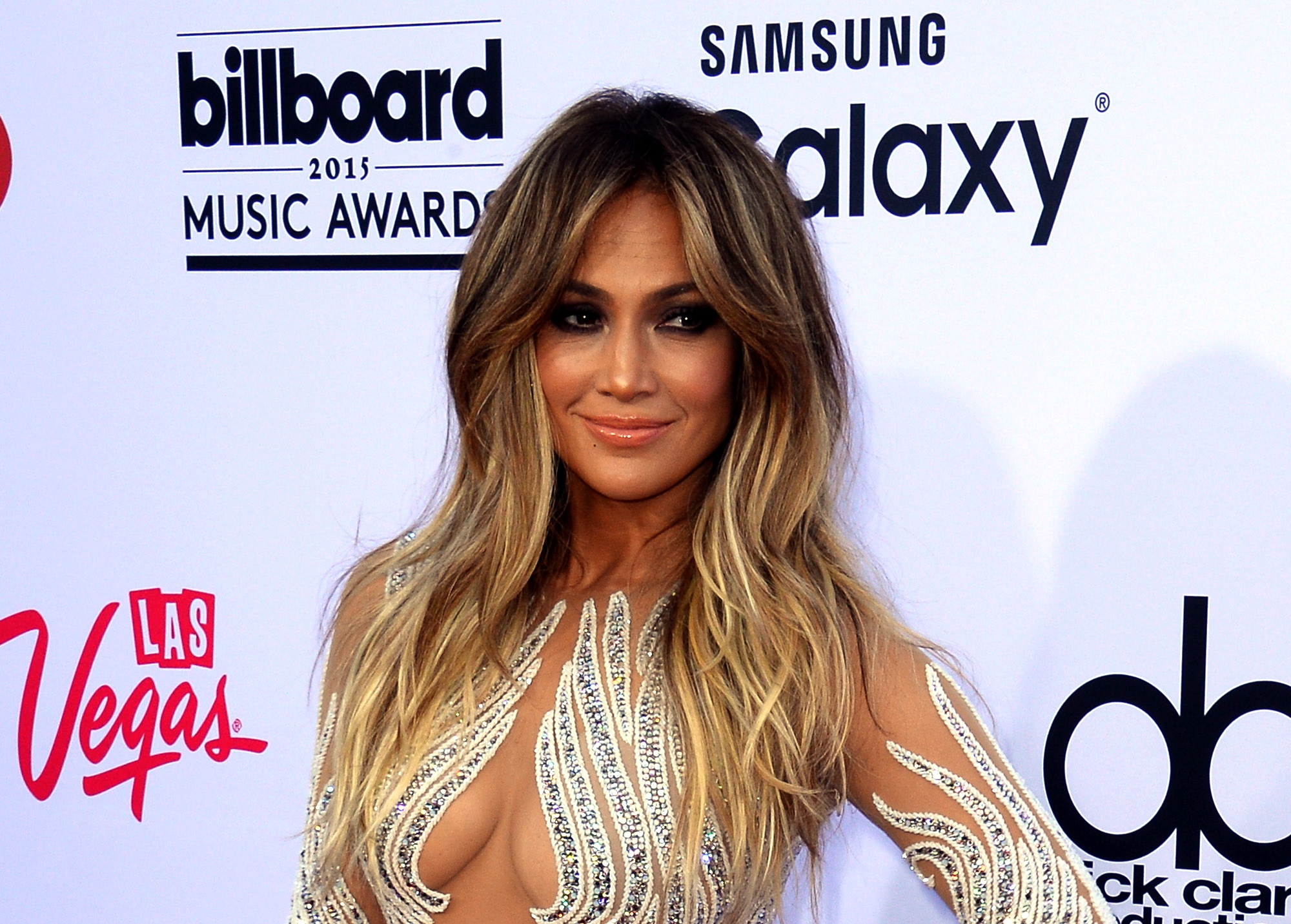 Jennifer Lopez posa in costume per Us Weekley