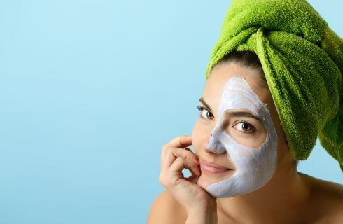 Peeling viso: cos'è e come si fa