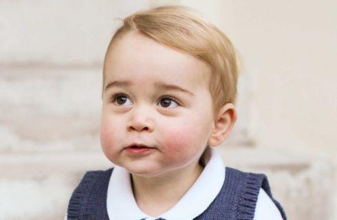 Kate Middleton contenta: principe George mancino come il papà
