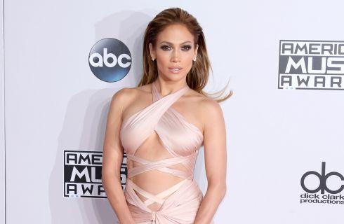 Jennifer Lopez mostra il suo enorme guardaroba