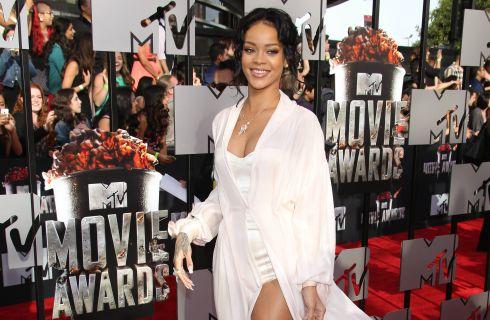 Rihanna lancerà una sua linea di accessori