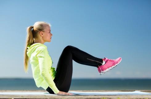 Dimagrire e rassodare le cosce: gli esercizi da fare