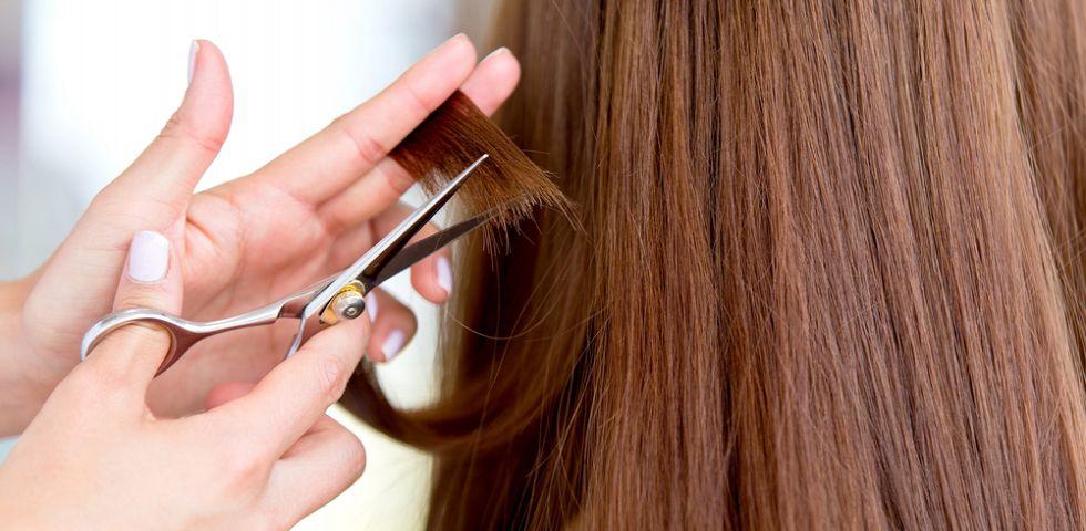 Tagliare i capelli a luna