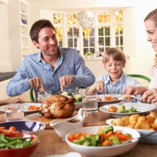 10 errori comuni che si commettono a tavola