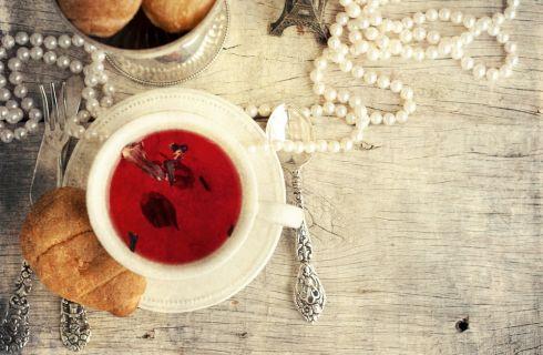 Zero calorie: i 7 benefici del tè nero