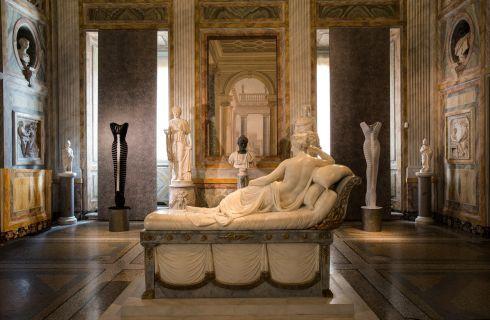 La Galleria Borghese celebra la moda di Azzedine Alaïa