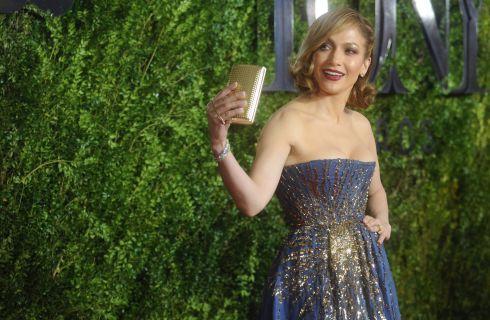 Jennifer Lopez nel club delle bronde: i segreti del nuovo look