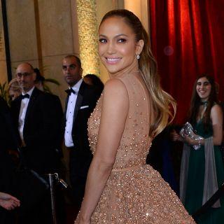 Jennifer Lopez: sexy nude look per i suoi 46 anni