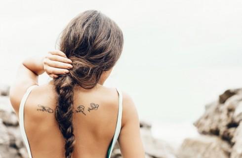 7 trucchi per la cura dei capelli in vacanza
