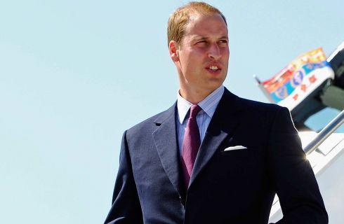 Le notti brave del Principe William in vacanza senza Kate Middleton (video)