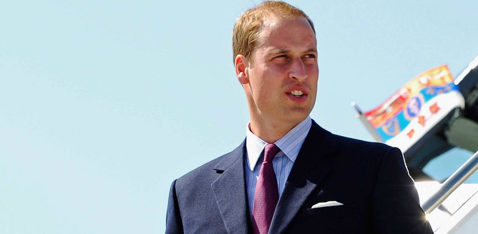 Le notti brave del Principe William in vacanza senza Kate Middleton (video)