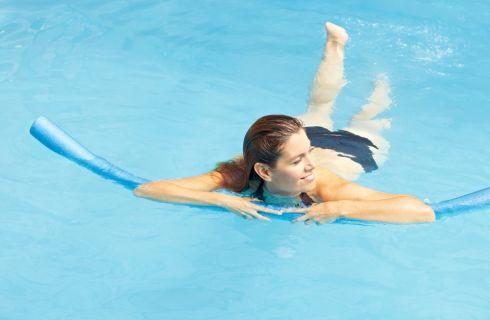 Acquagym: 3 esercizi semplici fai da te