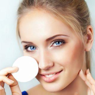 Latte detergente: come sceglierlo in base al tipo di pelle