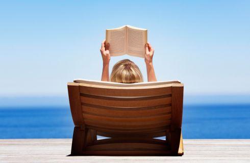 Storia della moda: 5 libri sotto l'ombrellone