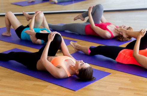 Esercizi per il ginocchio: 10 movimenti consigliati