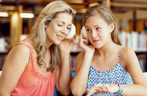 Primo ciclo mestruale: come gestirlo con la propria figlia