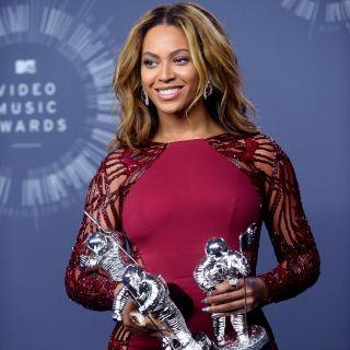 Beyoncé e Blue Ivy in barca con lo stesso costume