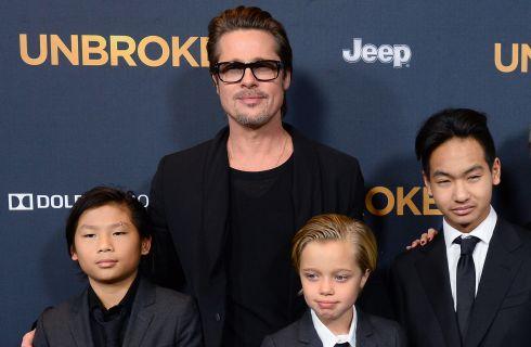 Brad Pitt al Moto GP insieme al figlio Knox