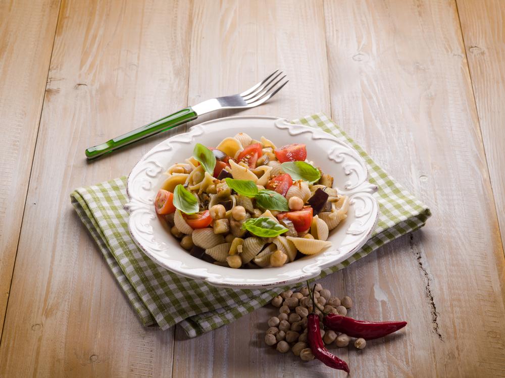 insalata di pasta con ceci
