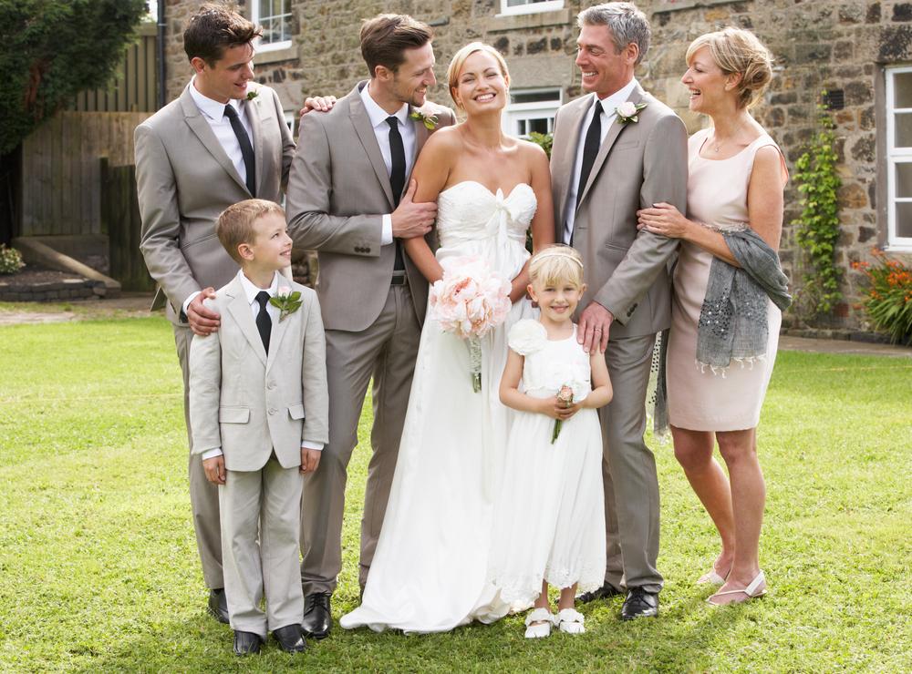 Genitori dello sposo: galateo e abiti   Dire Donna