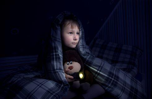 Come aiutare i bambini a superare la paura del buio