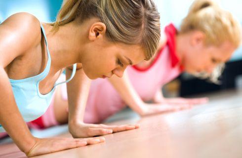 Esercizi per tonificare le braccia senza pesi