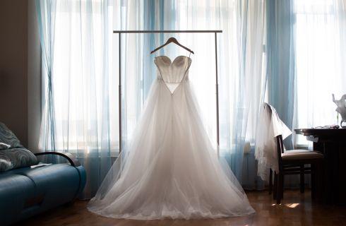 Trucchi per smacchiare l'abito da sposa