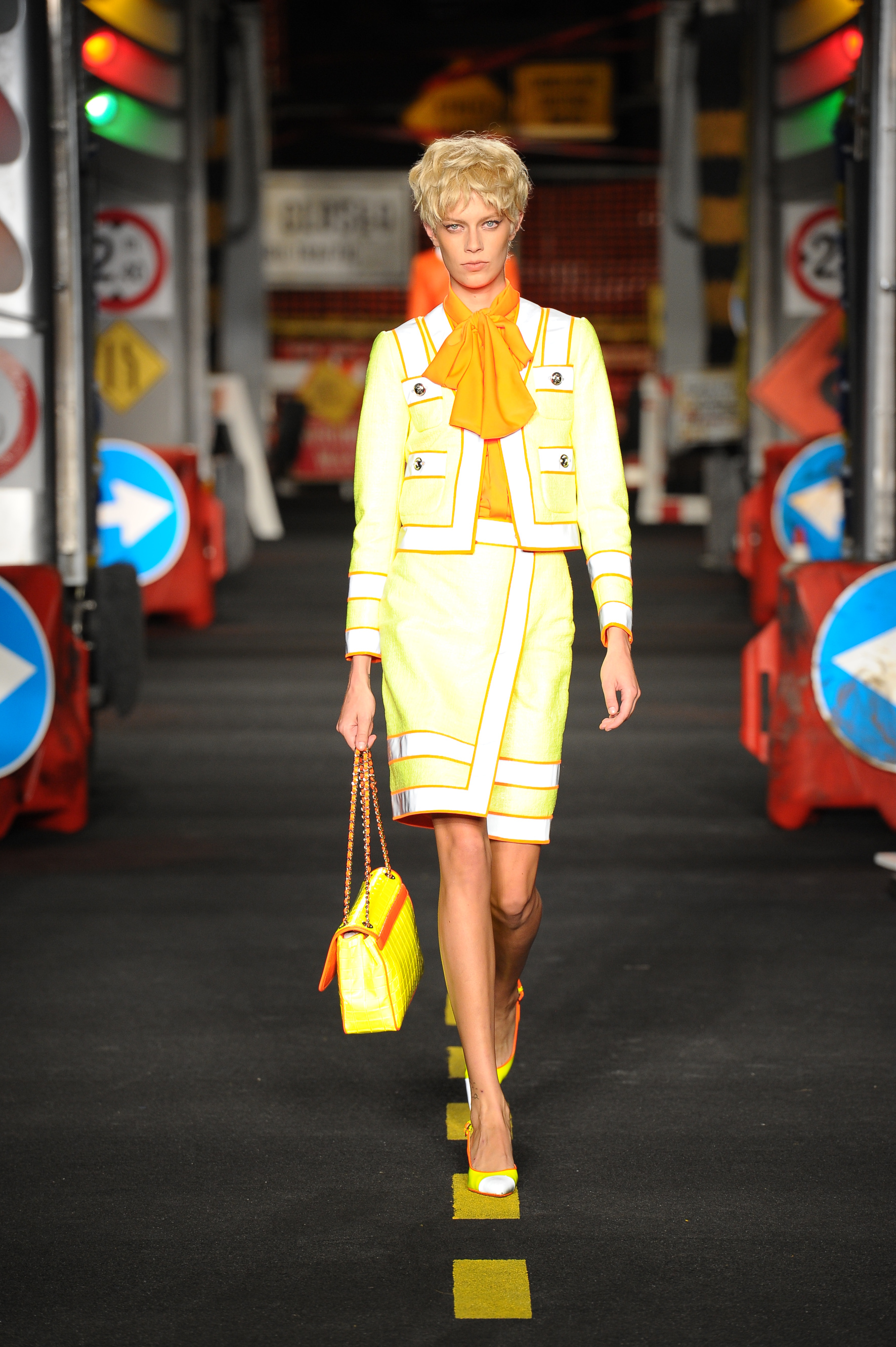 Moschino primavera-estate 2016: le foto