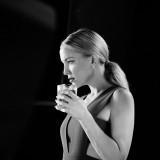 Kate Hudson backstage calendario Campari