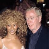 Beyonce e  Michael Caine  nel 2002