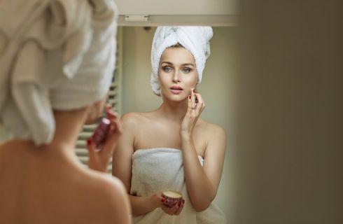 Ciclo mestruale: gli effetti sulla pelle