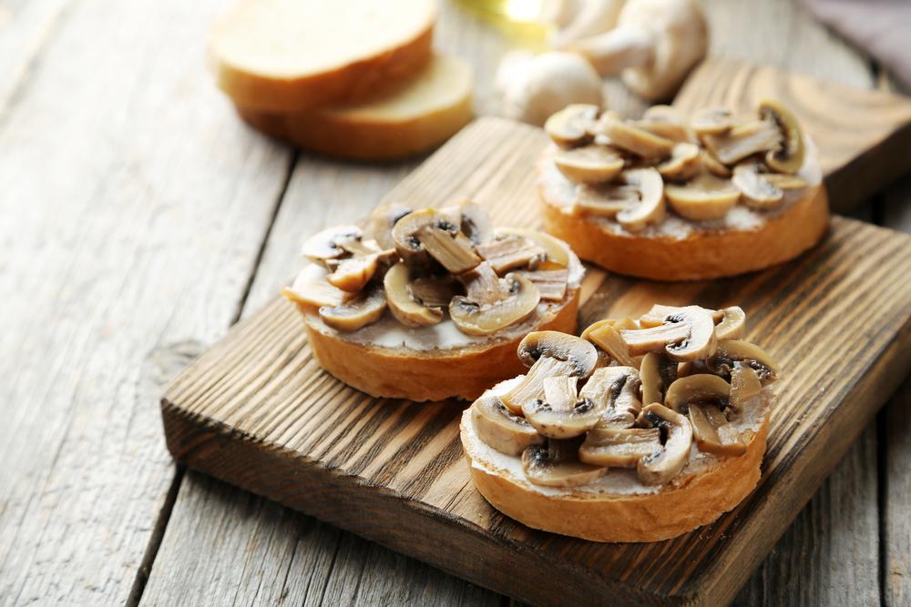 bruschette con funghi